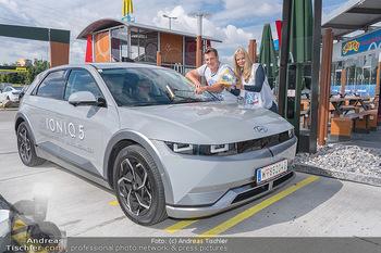 Carwash Day 2021 - McDonalds McDrive 1110 und 1220 Wien - Fr 17.09.2021 - Karin SCHMIDT, Andi Andreas HERZOG15