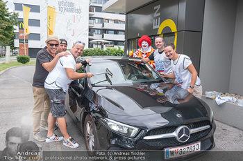 Carwash Day 2021 - McDonalds McDrive 1110 und 1220 Wien - Fr 17.09.2021 - Musikband Wiener WAHNSINN, Ronald McDonald Clown46