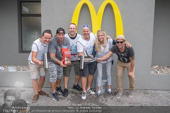 Carwash Day 2021 - McDonalds McDrive 1110 und 1220 Wien - Fr 17.09.2021 - Musikband Wiener Wahnsinn, Karin SCHMIDT49