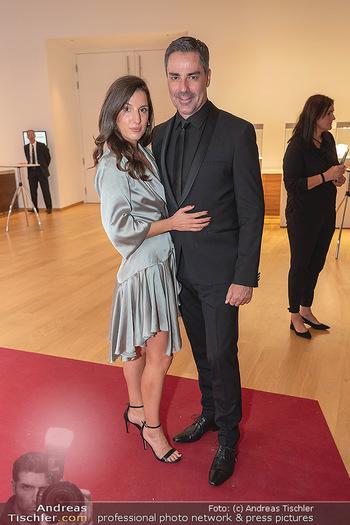 Schmuckstars Awards 2021 - Hotel Andaz, Wien - Sa 18.09.2021 - Roman RAFREIDER mit Freundin Victoria KORAIMAN19