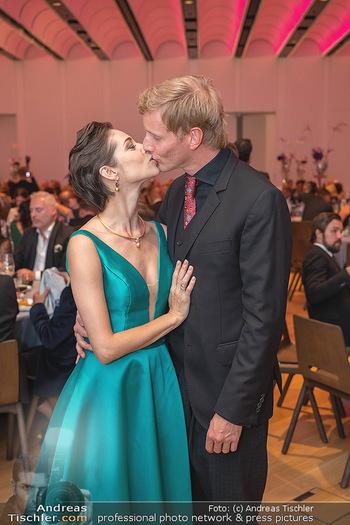 Schmuckstars Awards 2021 - Hotel Andaz, Wien - Sa 18.09.2021 - Maria YAKOVLEVA mit Freund Rene MUC23