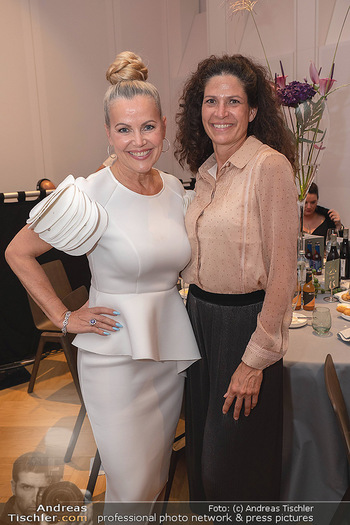 Schmuckstars Awards 2021 - Hotel Andaz, Wien - Sa 18.09.2021 - Evelyn RILLE, Caro STRASNIK25