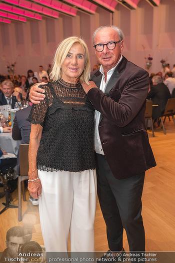 Schmuckstars Awards 2021 - Hotel Andaz, Wien - Sa 18.09.2021 - Reinhard und Rosi KÖCK38
