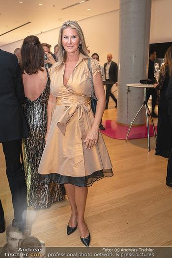 Schmuckstars Awards 2021 - Hotel Andaz, Wien - Sa 18.09.2021 - Gabriele LENIKUS244