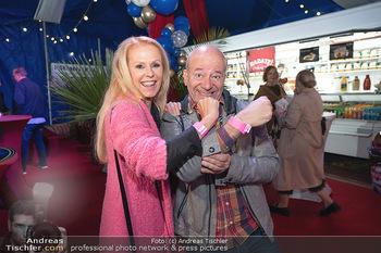 Premiere Zirkus Louis Knie - Zirkuszelt bei der Donaumarina, Wien - Mi 22.09.2021 - Ulrike KRIEGLER, Andy LEE LANG5