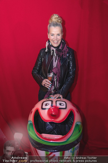 Premiere Zirkus Louis Knie - Zirkuszelt bei der Donaumarina, Wien - Mi 22.09.2021 - Evelyn RILLE9
