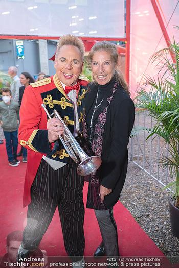 Premiere Zirkus Louis Knie - Zirkuszelt bei der Donaumarina, Wien - Mi 22.09.2021 - Clown Christian, Claudia KRISTOVIC-BINDER26