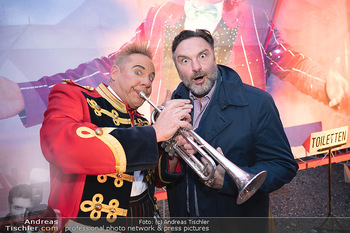 Premiere Zirkus Louis Knie - Zirkuszelt bei der Donaumarina, Wien - Mi 22.09.2021 - Martin LEUTGEB mit Clown Christian41