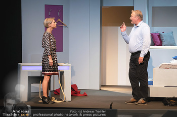 Arthur & Claire Bühnenfotos - Stadttheater Berndorf - Sa 25.09.2021 - Kristina SPRENGER, Ferry ÖLLINGER16