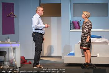 Arthur & Claire Bühnenfotos - Stadttheater Berndorf - Sa 25.09.2021 - Kristina SPRENGER, Ferry ÖLLINGER17