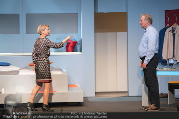 Arthur & Claire Bühnenfotos - Stadttheater Berndorf - Sa 25.09.2021 - Kristina SPRENGER, Ferry ÖLLINGER20