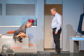 Arthur & Claire Bühnenfotos - Stadttheater Berndorf - Sa 25.09.2021 - Kristina SPRENGER, Ferry ÖLLINGER22