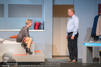 Arthur & Claire Bühnenfotos - Stadttheater Berndorf - Sa 25.09.2021 - Kristina SPRENGER, Ferry ÖLLINGER23
