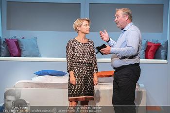 Arthur & Claire Bühnenfotos - Stadttheater Berndorf - Sa 25.09.2021 - Kristina SPRENGER, Ferry ÖLLINGER25