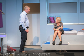 Arthur & Claire Bühnenfotos - Stadttheater Berndorf - Sa 25.09.2021 - Kristina SPRENGER, Ferry ÖLLINGER29