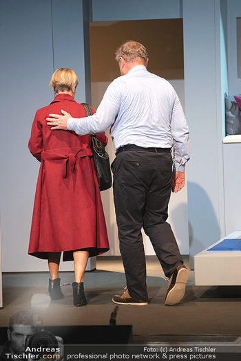 Arthur & Claire Bühnenfotos - Stadttheater Berndorf - Sa 25.09.2021 - Kristina SPRENGER, Ferry ÖLLINGER33