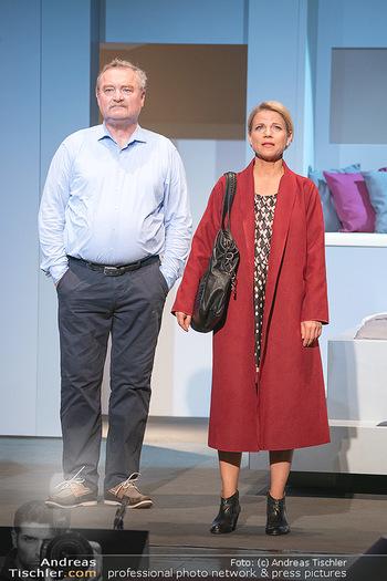 Arthur & Claire Bühnenfotos - Stadttheater Berndorf - Sa 25.09.2021 - Kristina SPRENGER, Ferry ÖLLINGER34