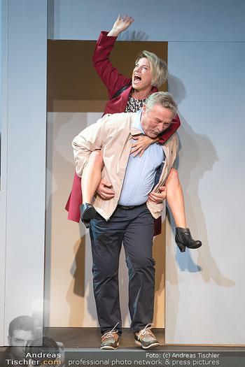 Arthur & Claire Bühnenfotos - Stadttheater Berndorf - Sa 25.09.2021 - Kristina SPRENGER, Ferry ÖLLINGER38