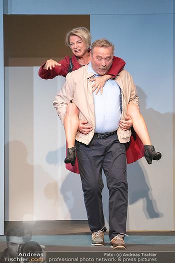 Arthur & Claire Bühnenfotos - Stadttheater Berndorf - Sa 25.09.2021 - Kristina SPRENGER, Ferry ÖLLINGER39