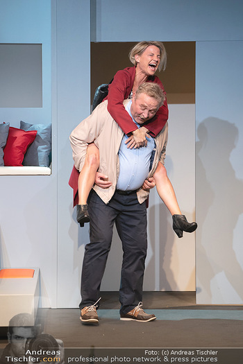 Arthur & Claire Bühnenfotos - Stadttheater Berndorf - Sa 25.09.2021 - Kristina SPRENGER, Ferry ÖLLINGER42