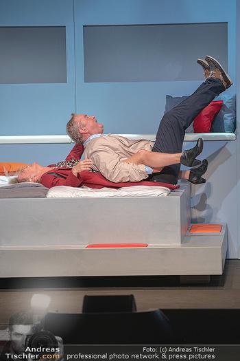 Arthur & Claire Bühnenfotos - Stadttheater Berndorf - Sa 25.09.2021 - Kristina SPRENGER, Ferry ÖLLINGER45