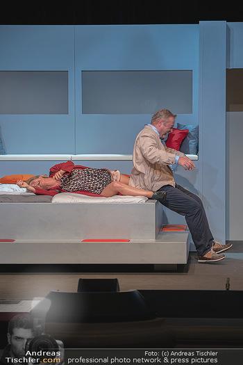 Arthur & Claire Bühnenfotos - Stadttheater Berndorf - Sa 25.09.2021 - Kristina SPRENGER, Ferry ÖLLINGER46