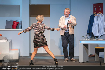 Arthur & Claire Bühnenfotos - Stadttheater Berndorf - Sa 25.09.2021 - Kristina SPRENGER, Ferry ÖLLINGER49