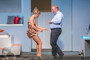 Arthur & Claire Bühnenfotos - Stadttheater Berndorf - Sa 25.09.2021 - Kristina SPRENGER, Ferry ÖLLINGER56