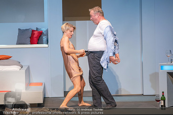 Arthur & Claire Bühnenfotos - Stadttheater Berndorf - Sa 25.09.2021 - Kristina SPRENGER, Ferry ÖLLINGER57