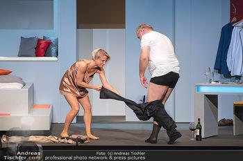Arthur & Claire Bühnenfotos - Stadttheater Berndorf - Sa 25.09.2021 - Kristina SPRENGER, Ferry ÖLLINGER59