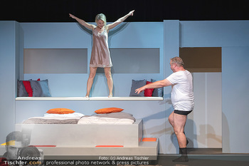 Arthur & Claire Bühnenfotos - Stadttheater Berndorf - Sa 25.09.2021 - Kristina SPRENGER, Ferry ÖLLINGER61