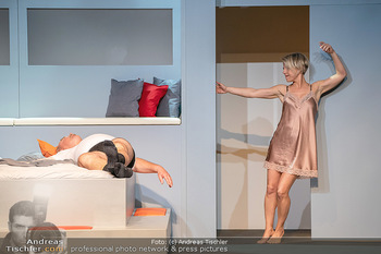 Arthur & Claire Bühnenfotos - Stadttheater Berndorf - Sa 25.09.2021 - Kristina SPRENGER, Ferry ÖLLINGER63