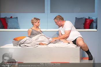 Arthur & Claire Bühnenfotos - Stadttheater Berndorf - Sa 25.09.2021 - Kristina SPRENGER, Ferry ÖLLINGER67