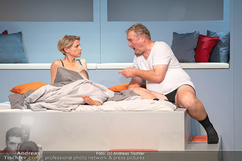 Arthur & Claire Bühnenfotos - Stadttheater Berndorf - Sa 25.09.2021 - Kristina SPRENGER, Ferry ÖLLINGER68