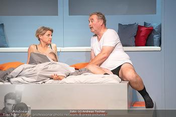 Arthur & Claire Bühnenfotos - Stadttheater Berndorf - Sa 25.09.2021 - Kristina SPRENGER, Ferry ÖLLINGER70