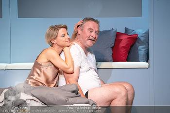 Arthur & Claire Bühnenfotos - Stadttheater Berndorf - Sa 25.09.2021 - Kristina SPRENGER, Ferry ÖLLINGER76