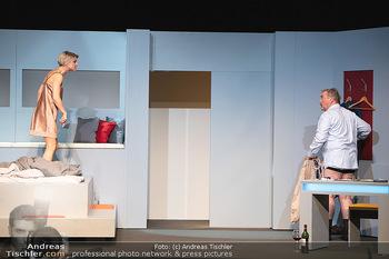 Arthur & Claire Bühnenfotos - Stadttheater Berndorf - Sa 25.09.2021 - Kristina SPRENGER, Ferry ÖLLINGER77