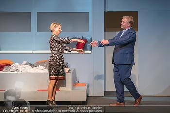 Arthur & Claire Bühnenfotos - Stadttheater Berndorf - Sa 25.09.2021 - Kristina SPRENGER, Ferry ÖLLINGER79