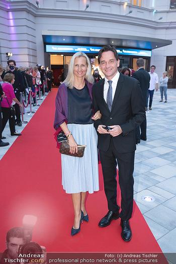 We are Musical - Eröffnungsgala - Raimund Theater, Wien - So 26.09.2021 - Kurt GOLLOWITZER mit Ehefrau11