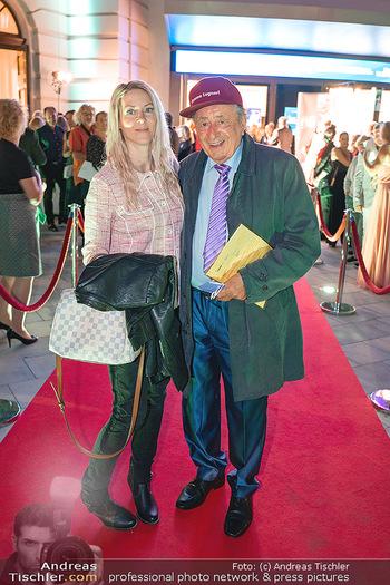 We are Musical - Eröffnungsgala - Raimund Theater, Wien - So 26.09.2021 - Richard LUGNER mit Simone Bienchen REILÄNDER75