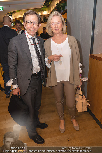 Eröffnung - Opening 2.0 - Hola! Tapas Bar Aufhof - Mi 29.09.2021 - Rudolf MAYER (mit Ehefrau Claudia?)8