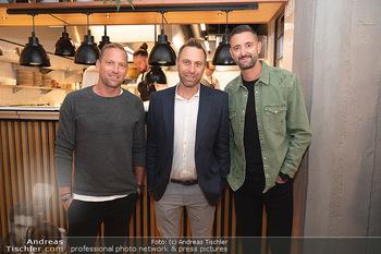 Eröffnung - Opening 2.0 - Hola! Tapas Bar Aufhof - Mi 29.09.2021 - Alexander HORST, Robert NOWOTNY, Clemens DOPPLER13