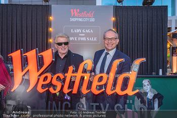 Lady Gaga Streaming Konzert - Westfield SCS, NÖ - Do 30.09.2021 - HEINO, Arnaud BURLIN44