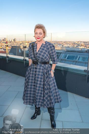 Eröffnung - Hotel Motto, Wien - Fr 01.10.2021 - Direktorin Fanny HOLZER-LUSCHNIG auf der Dachterrasse17