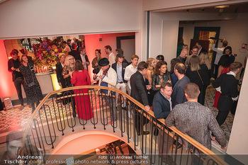 Eröffnung - Hotel Motto, Wien - Fr 01.10.2021 - Gäste im Treppenhaus165