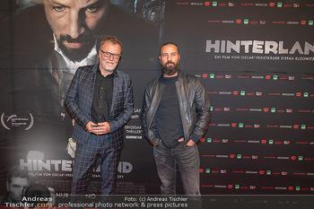 Kinopremiere ´Hinterland´ - Village Cinema, Wien - Do 07.10.2021 - Murathan MUSLU, Stefan RUZOWITZKY1