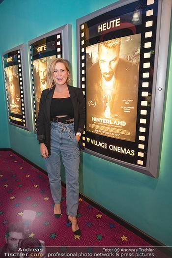 Kinopremiere ´Hinterland´ - Village Cinema, Wien - Do 07.10.2021 - Johanna SETZER5