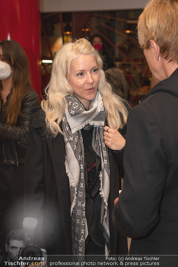 Kinopremiere ´Hinterland´ - Village Cinema, Wien - Do 07.10.2021 - Simone REILÄNDER10