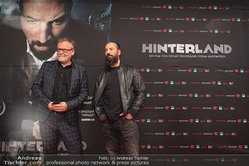 Kinopremiere ´Hinterland´ - Village Cinema, Wien - Do 07.10.2021 - Murathan MUSLU, Stefan RUZOWITZKY20