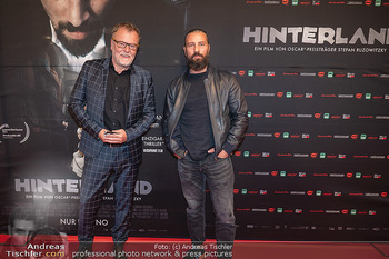 Kinopremiere ´Hinterland´ - Village Cinema, Wien - Do 07.10.2021 - Murathan MUSLU, Stefan RUZOWITZKY22